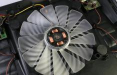 三轴技术风扇冷却和卓越的PCB设计