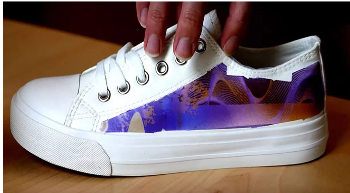 麻省理工学院科学家发明了可重新编程的变色墨水用于定制您的装备