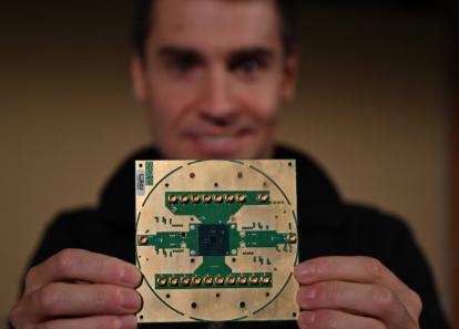 英特尔推出适用于量子计算机的Horse Ridge低温控制芯片