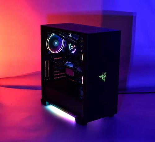 Razer Tomahawk游戏台式机体积小巧功能强大 这要归功于英特尔的NUC 9 Extreme