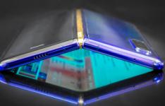 三星Galaxy Fold 2有望配备屏幕下摄像头