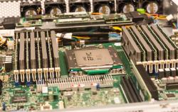 Cloudflare已在多个数据中心部署了AMD的Epyc 7642芯片