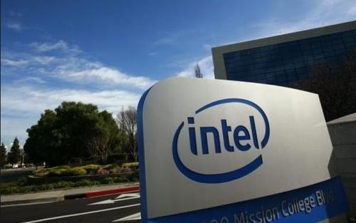 英特尔周一发布的新服务器CPU突显了与AMD竞争的艰难时期