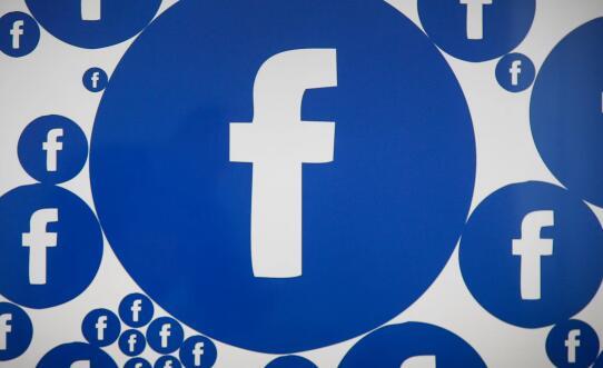 勉强地与Facebook重新建立联系