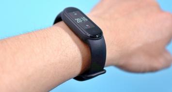 小米手环5正式开售 有标准版 NFC两个版本