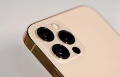 延续3年的苹果iPhone X外形终于在苹果iPhone 12上得到了重修