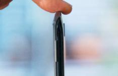 摩托罗拉RAZR评测 5G折叠翻盖手机感觉不错