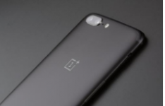 OnePlus的UI几乎是库存的Android 并进行了一些调整