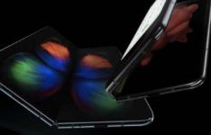 三星GalaxyFold2将拥有比第一代更大的屏幕
