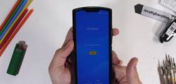 摩托罗拉RAZR智能手机已正式发布