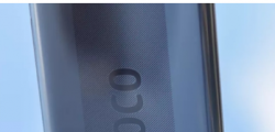 POCOX3Pro智能手机随附定制的旗舰Snapdragon芯片组