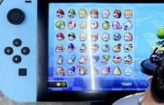 这款巨大的NintendoSwitch具有4K显示屏并可以正常运行JoyCons