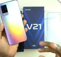 vivoV21智能手机拆箱显示在线确认技术规格和设计
